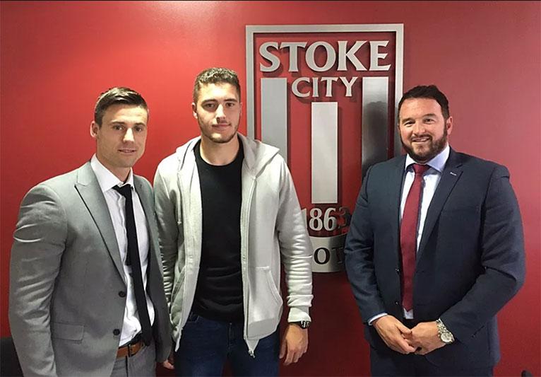 Ryan Sweeney Signs for Stoke City