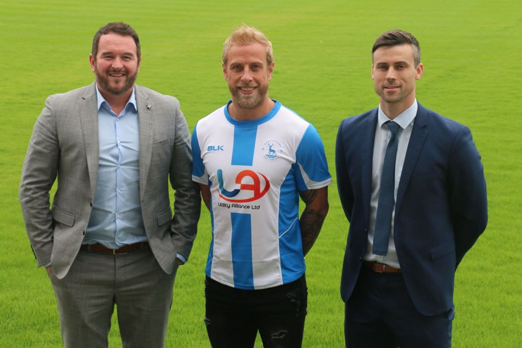 Davies signs for Hartlepool United