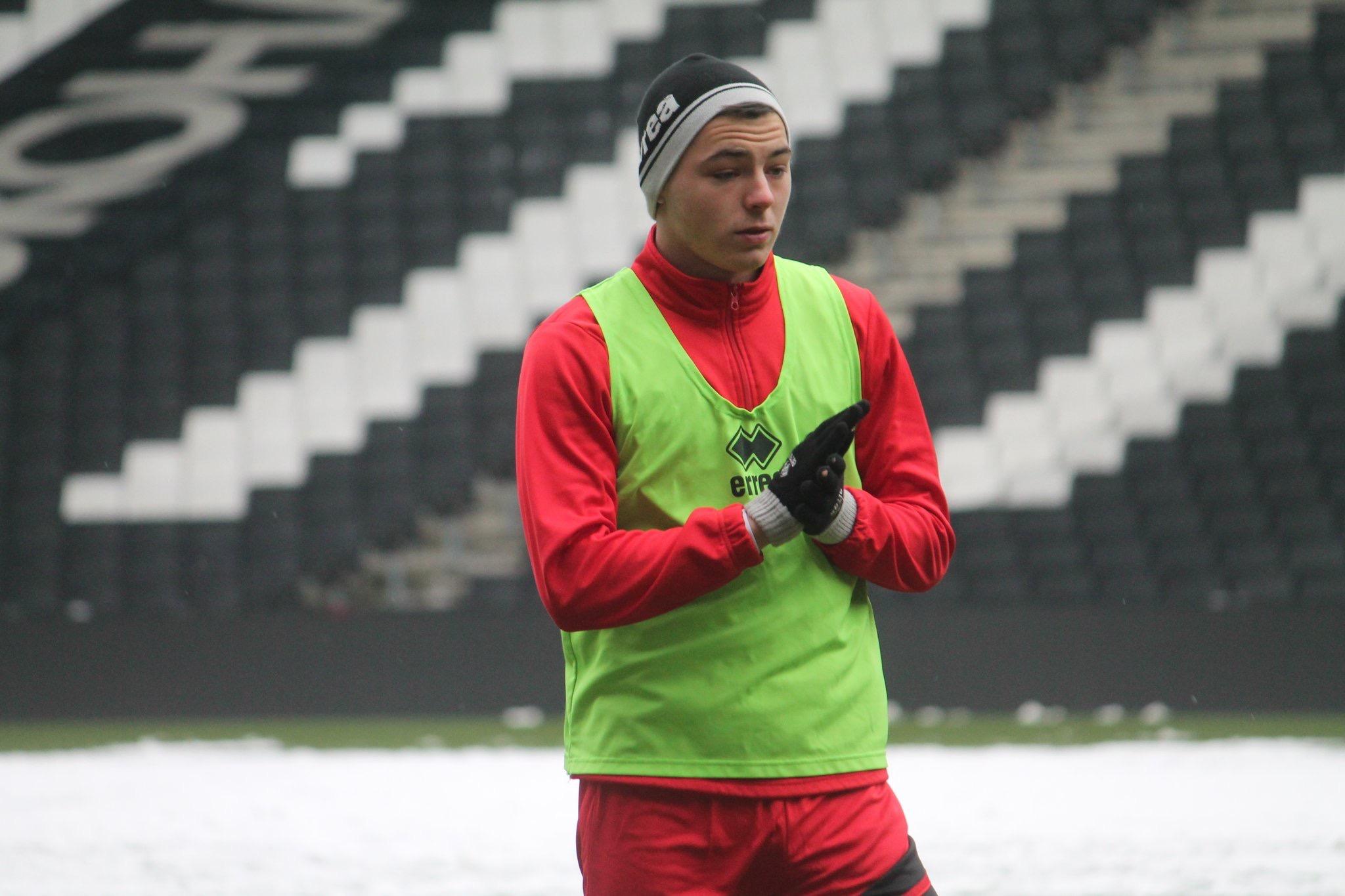 Ste Walker signs for MK Dons on loan