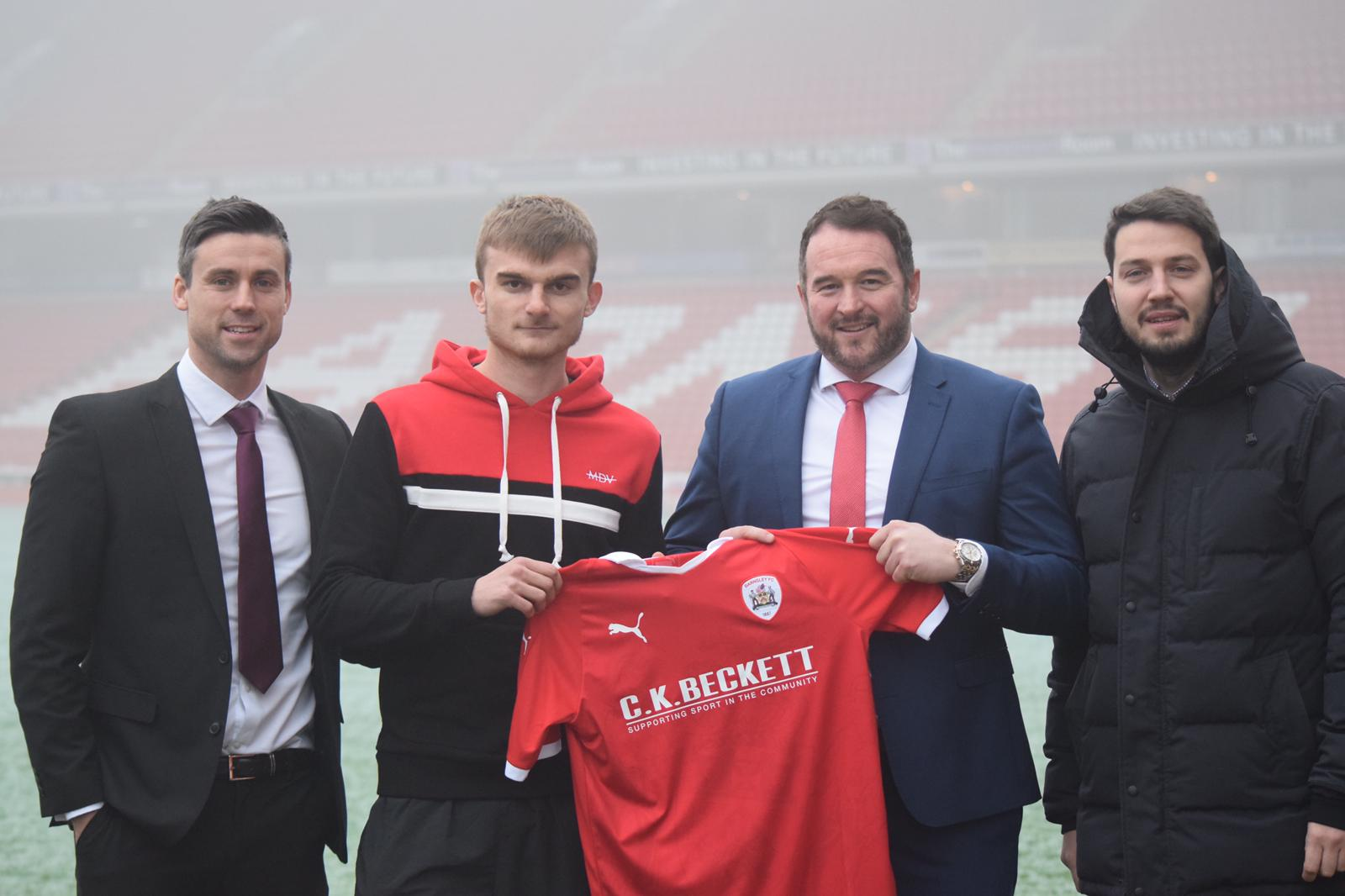 George Miller signs for Barnsley