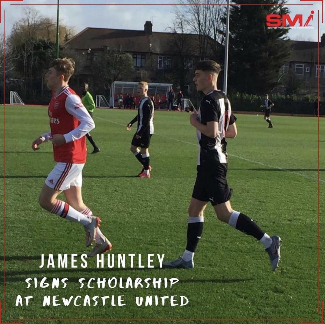 James Huntley signs scholarship