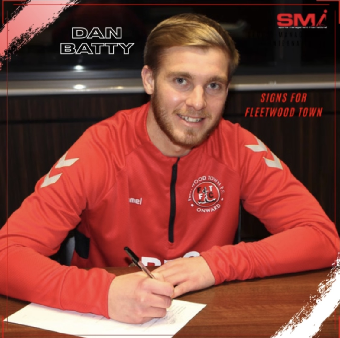 Dan Batty signs for Fleetwood Town