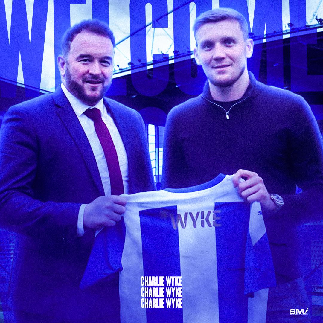Charlie Wyke signs for Wigan